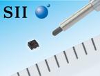 世界最小クラス0.8mm角アウターリード付きパッケージのLDOレギュレータIC