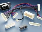 小型の電線対基板および電線対電線相互接続「2mm AMP CTコネクタ」
